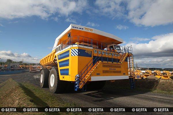 БелАЗ грузоподъемностью 450 тонн